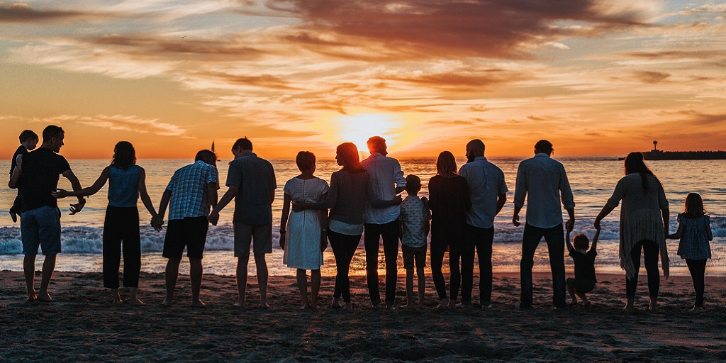 photography of people looking over the sunset, source: tyler-nix-V3dHmb1MOXM-unsplash