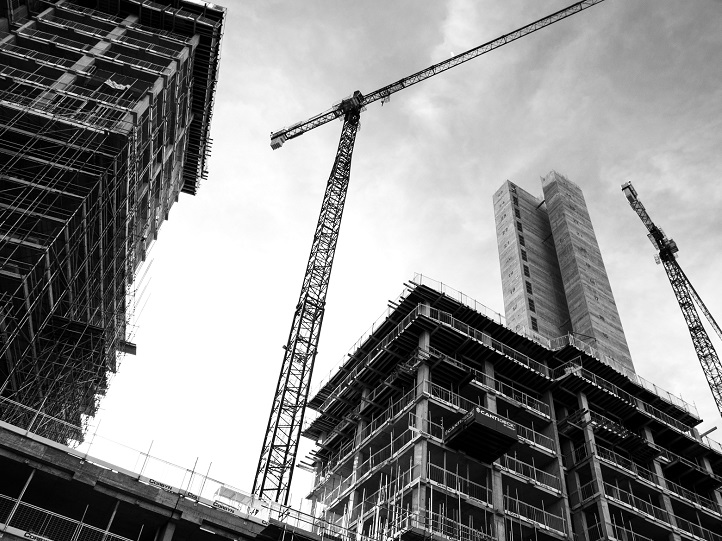 photograph of building and scaffoldings, source: ben-allan-BIeC4YK2MTA-unsplash